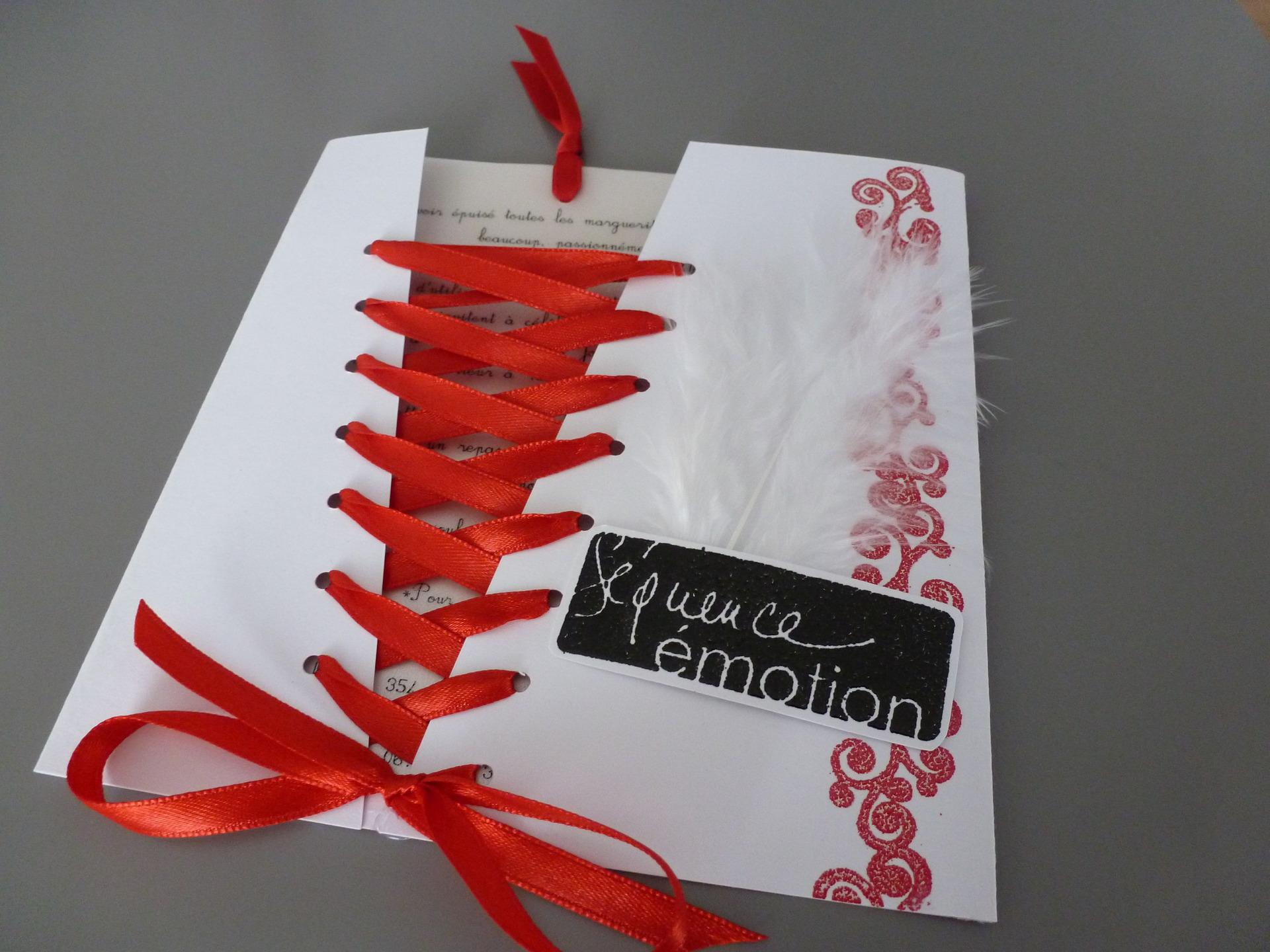 faire part mariage rouge et gris mod le de lettre. Black Bedroom Furniture Sets. Home Design Ideas